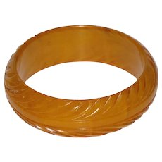 Bakelite Bracelet Bangle Rare Vintage  deep pineapple carved yellow amber marble