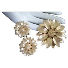 Sarah Coventry Goldtone Layered Flower Pin and Earrings Set