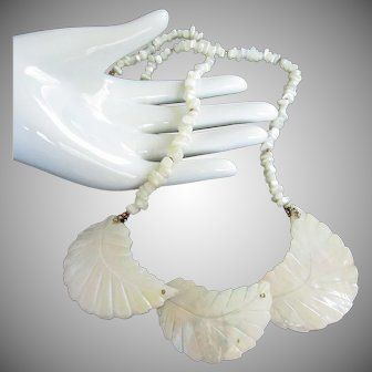 Mother of Pearl Necklace with Leaf Design