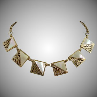 Shimmering Mother of Pearl and Gold Tone Vintage Necklace