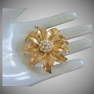 Vintage Faux Pearl and Gold Tone Flower Pin Brooch ~ REDUCED!