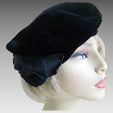 Vintage Women's Black Velvet Beret with Red Lining