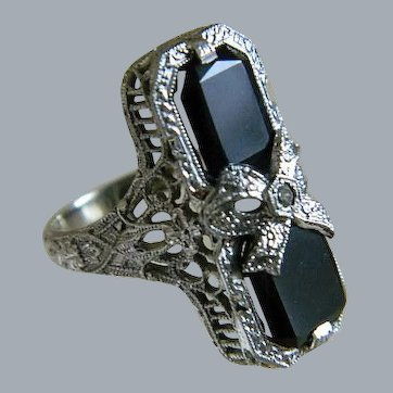Art Deco 14k White Gold Onyx with Center Diamond Ring
