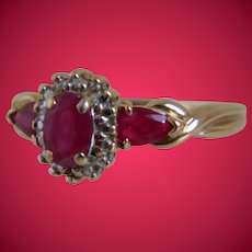 Vintage 10K Yellow Gold and Genuine Ruby Ring