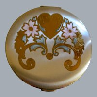 Vintage Zell 5th Avenue Woman's Powder Compact