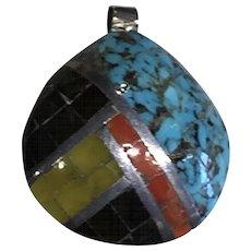 Santo Domingo Shell Pendant