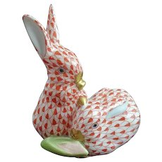 """RABBIT PAIR by Herend Rust Fishnet 3.5"""" Tall #5226 Made in Hungary MINT"""
