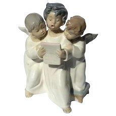 Lladro Figurine Of Three Angels Singing