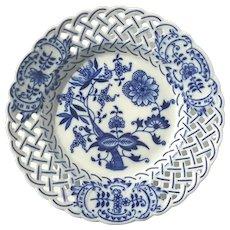Vintage Hutschenreuther Blue Onion Porcelain Plate, Circa 1960