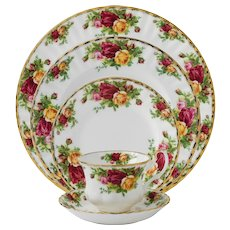 Vintage Royal Albert Old Country Roses 5 Piece Place Setting