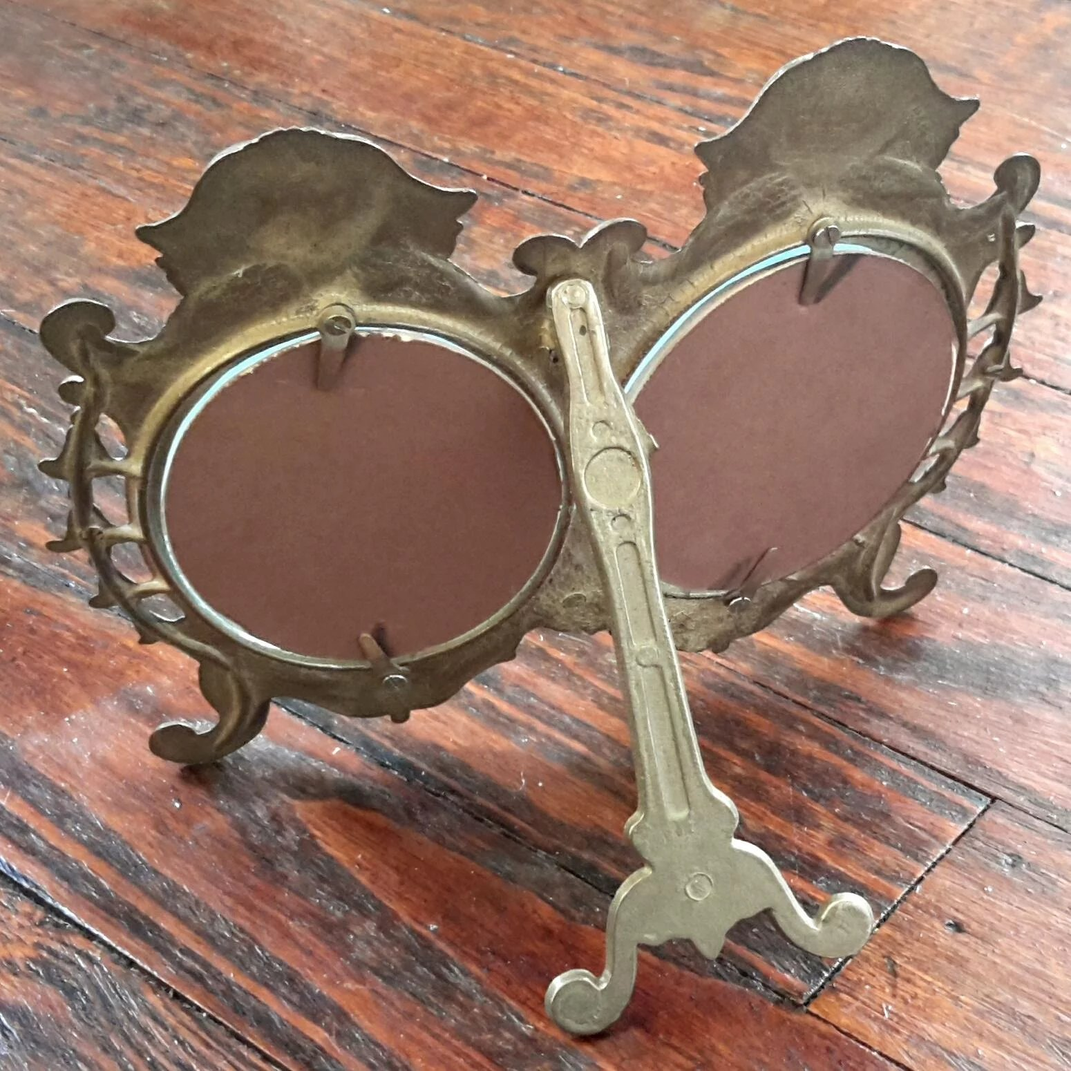 Vintage brass double oval picture frame stephen a kramer ltd vintage brass double oval picture frame click to expand jeuxipadfo Image collections