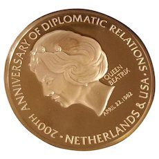 Franklin Mint 200th Anniversary Queen Beatrix Commemorative Bronze Medallion
