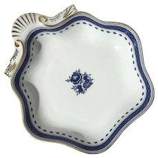 Mottahedeh Porcelain Indigo Scallop Shell Bowl