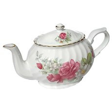Arthur Wood & Sons Staffordshire Rose Teapot