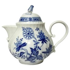 Kaiser Versailles Blue And White Porcelain Teapot