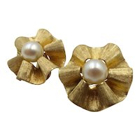 Vintage 14kt Gold and Cultured Pearl Earrings
