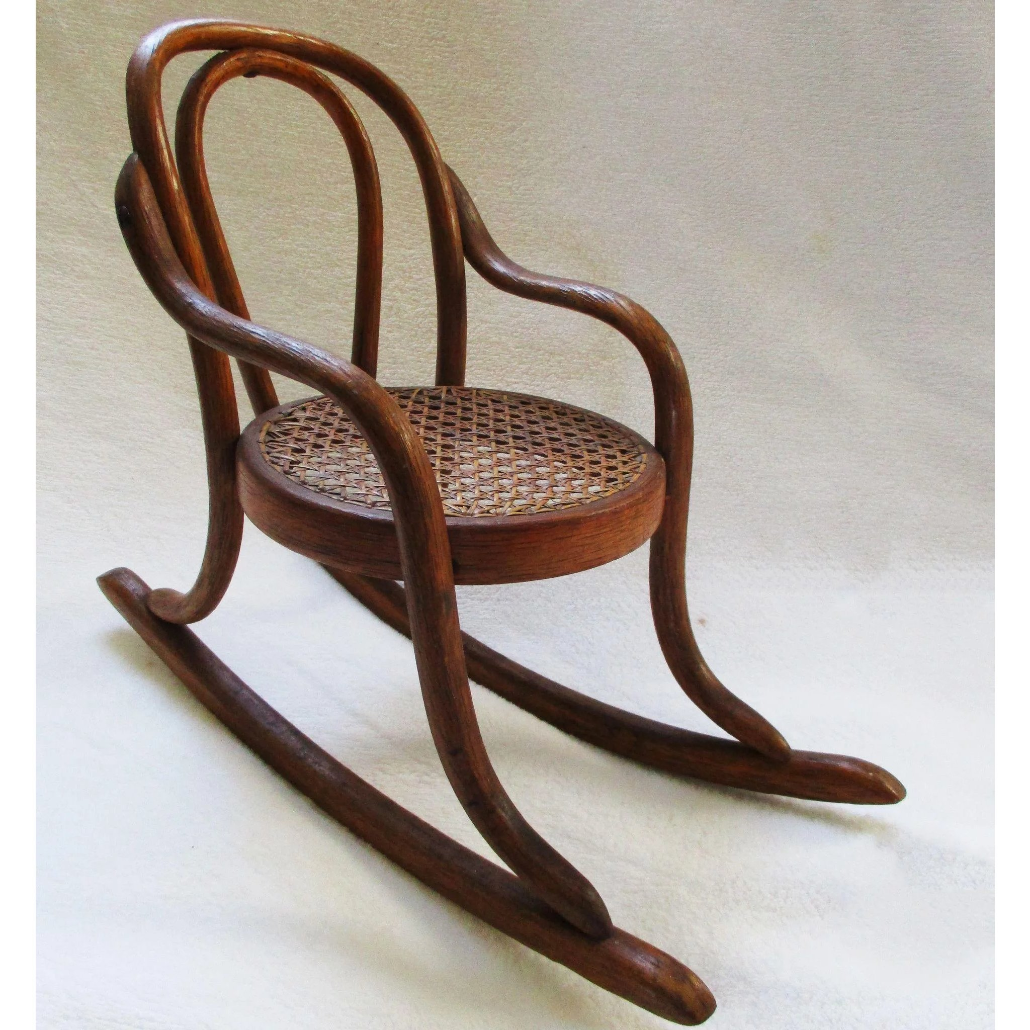 Antique Thonet Bentwood Doll Chair French 19C : Vermont Vintage At The  Round Barn | Ruby Lane