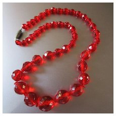 Deco Red Crystal Graduated Beads