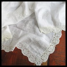 Beautiful Lace Floral Embroidered Linen Table Cloth Roses