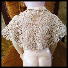 Lovely Old Bobbin Venetian Lace Cape-let For Larger Doll