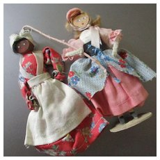 Two 1930's Wooden Clothes Pin Dolls Mammy & Little Bo Peep