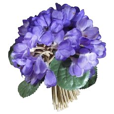 Very Pretty  Vintage Violet Millinery Hat/ Corsage Pin