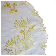 Large Society Silk Doily Flowers & Ribbons