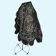 Enfantine Style Embroidered Cape for Early Fashion Doll