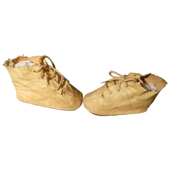 0ca04a3757109 Large Oilcloth Doll Shoes, 1940's
