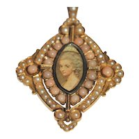 Victorian coral and seed pearl gold pendant/brooch