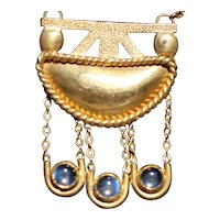 Arts and crafts 1900s gold moonstone pendant and chain