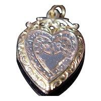Late Victorian 9kt heart locket pendant, circa 1900