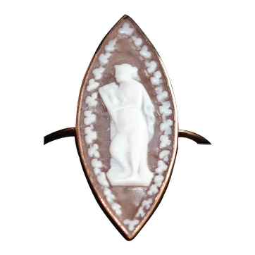 Antique shell cameo marquise ring, 9kt