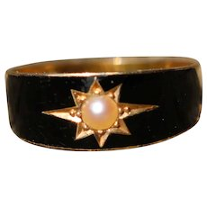 Antique 15k Mourning Ring, with black enamel and split pearl