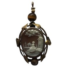 Antique Cameo pendant : Circa 1900