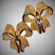 Vintage Glamorous Crown Trifari Brushed Gold Tone Bow Earrings