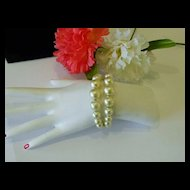 Fabulous Mid Century Faux Pearl Memory Bracelet