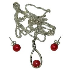 Sublime Wine Red Akoya Pearl Pendant Necklace and Matching Pierced Earrings