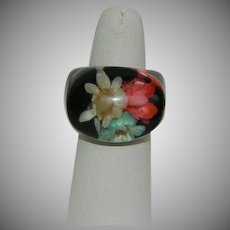 Early Lucite Dried Flowers Black Dome Ring size 6