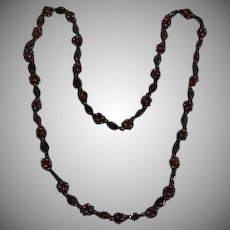 Art Deco Raspberry Glass Beaded Necklace