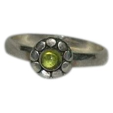 Sterling Vaseline Uranium Glass Ring sz 7