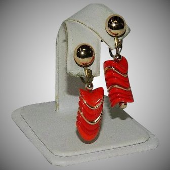 Fab Mod Red Gold Tone Lucite Earrings Japan Imports