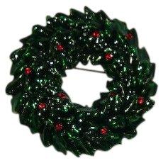 Beautiful Vintage Enamel Rhinestone Christmas Wreath Brooch