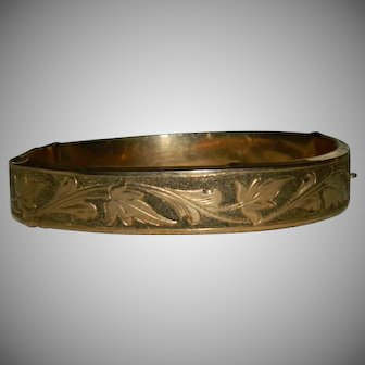 Victorian 10K Yellow Gold Etched Clamper Bracelet