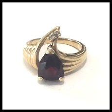 Art Deco Garnet & Diamond Ring 14 Kt