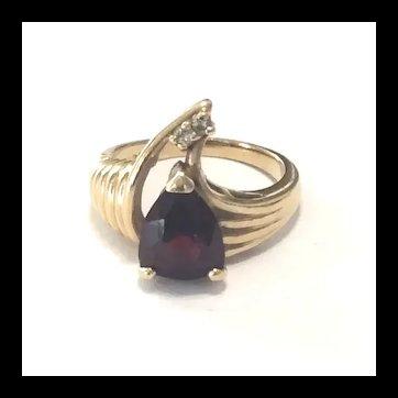 Art Deco Garnet & Diamond Ring 14 Kt