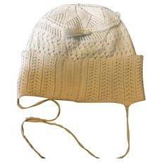 Georgian. Circa 1800. handknitted Babies bonnet in cotton,lace pattern.