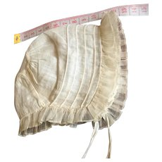 Georgian . New born Babies bonnet in fine cotton.Circa 1800. English.