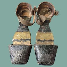 Early 19 th century shoes. English rural wear patterns . Shoe protectors
