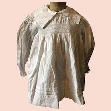 Circa 1900. Child's cotton smock . Traditional English smock.
